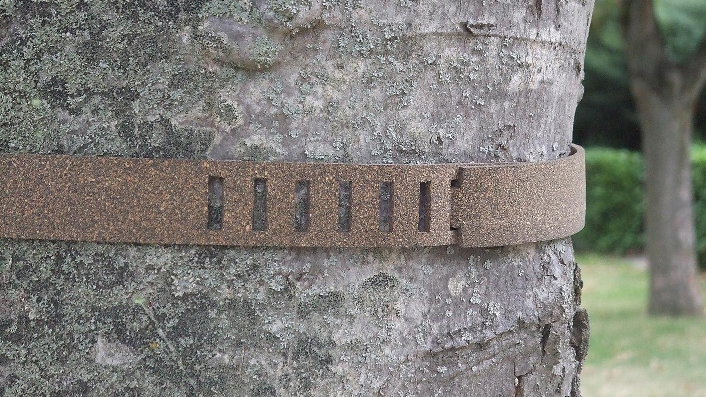 panneau,porte, marque-porte, balise, chemin de randonnée, montagne,pyrénées, bois massif, objet, déco, design, forme épurée, sobriété, simplicité, pyrène, chutes de bois, recyclage,GR10,GR20