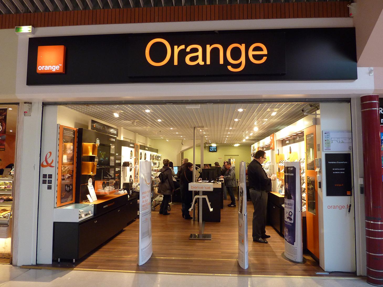 boutique,design,retail,merchandising,emilie cazin design,brio,